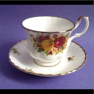 Royal Albert Old Country Roses Holiday Teacup Duo